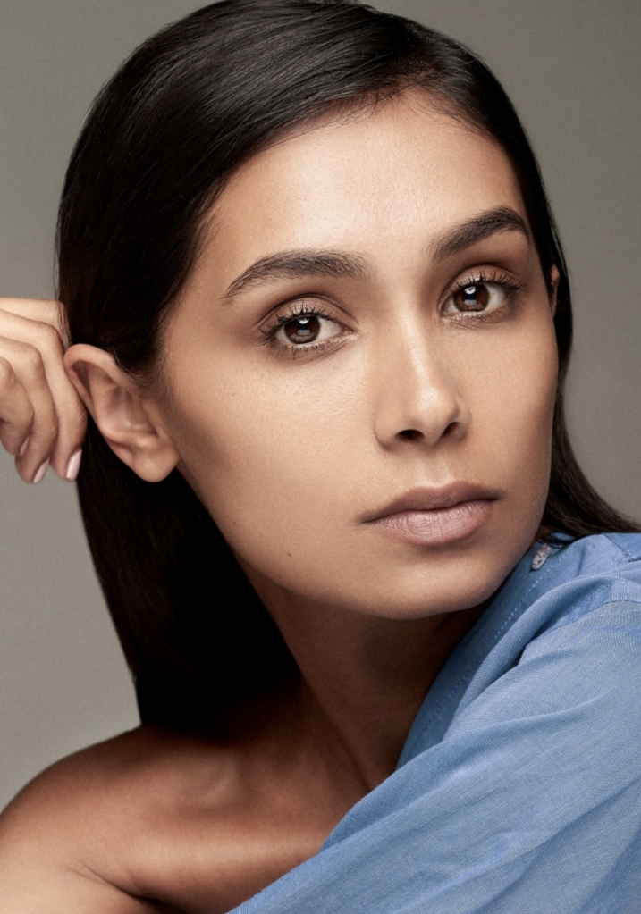 Balistarz-model-Shree-Patel-headshot-portrait-closeup-shoot-with-blue-top