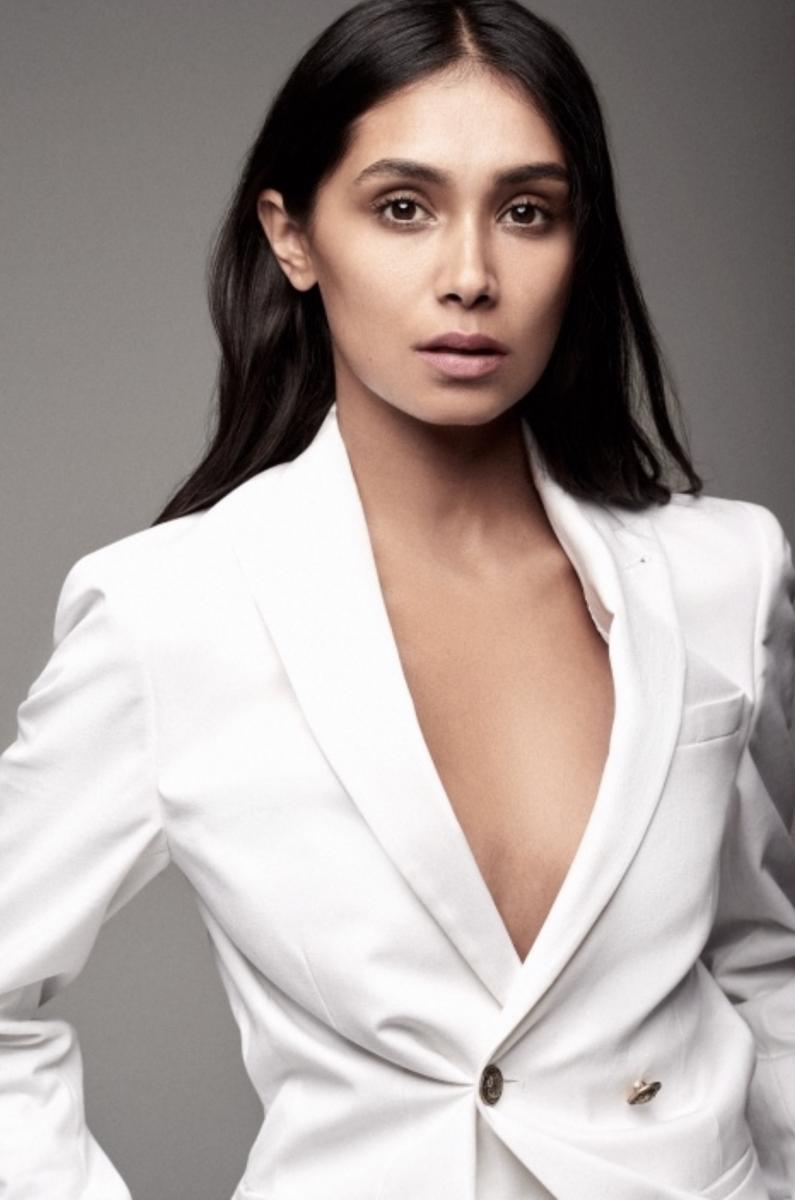 Balistarz-model-Shree-Patel-portrait-fancy-shoot-with-a-white-suit
