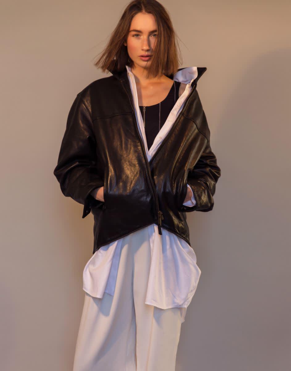 Balistarz-model-Sienna-Feher-portrait-shoot-in-a-leather-jacket