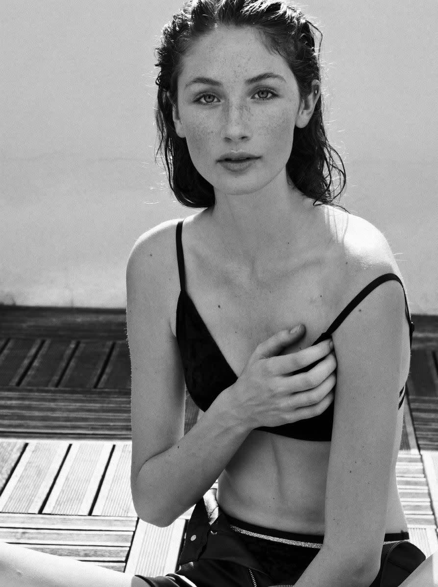 Balistarz-model-Sienna-Feher-portrait-black-and-white-closeup-shoot