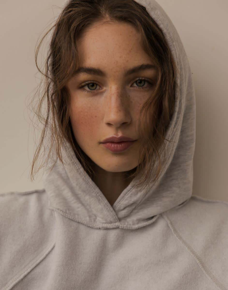Balistarz-model-Sienna-Feher-headshot-portrait-shoot-in-a-grey-hoodie