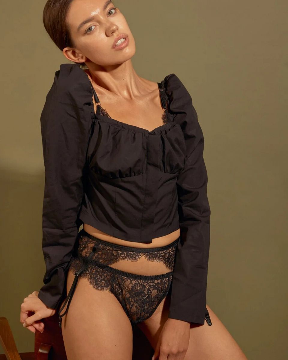 Balistarz-model-Sofia-Darrigo-portrait-shoot-in-a-casual-top-with-lace-panties