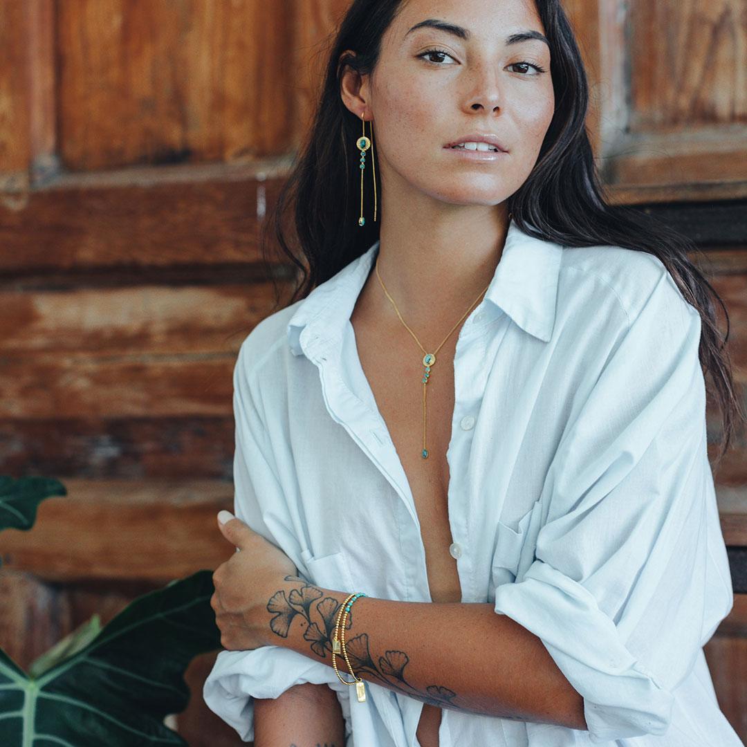 Balistarz-model-Stephanie-Baier-portrait-shoot-Perle-de-jade-bracelet-elastique-perles-vermeil-turquoise