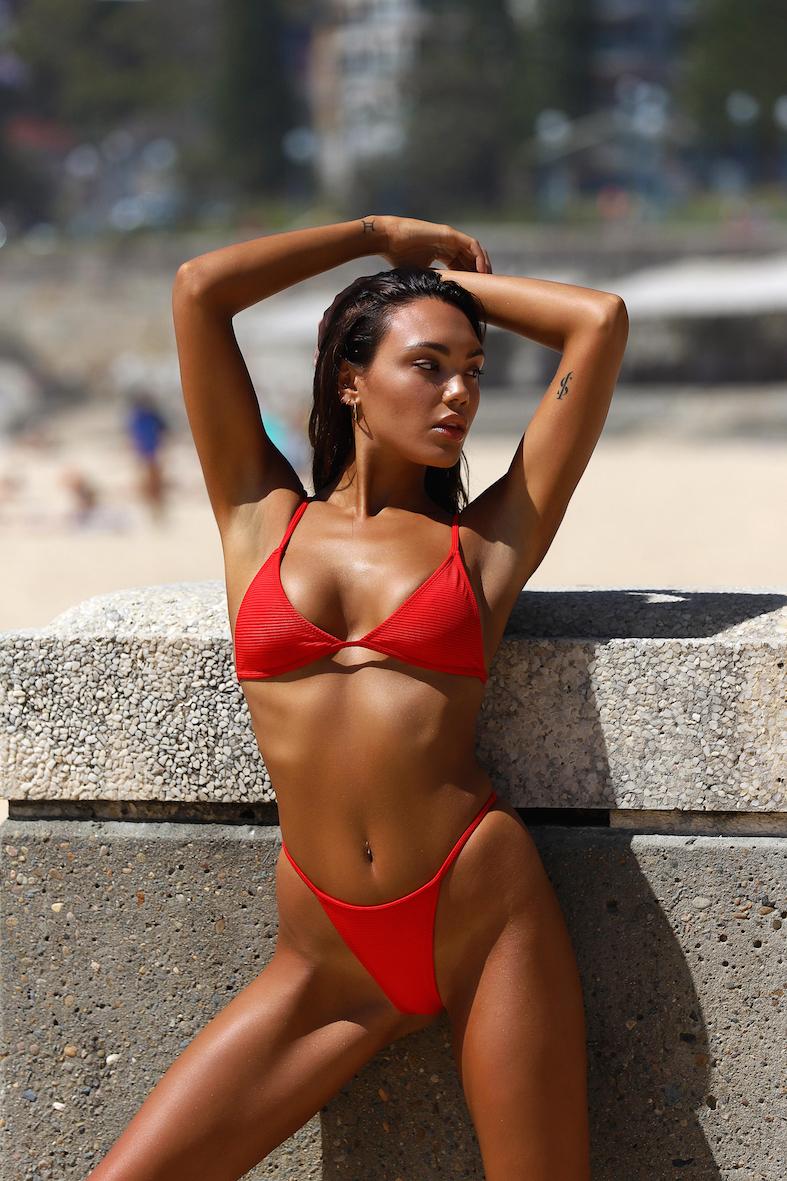 Balistarz-model-Stephanie-Taylor-portrait-beach-shoot-in-a-red-bikini