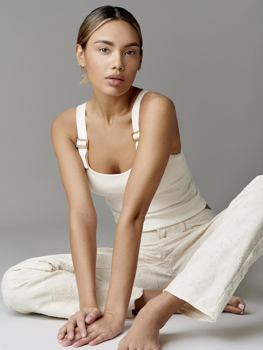 Balistarz-model-Stephanie-Taylor-portrait-shoot-in-casual-clothes-for-Sylwia-Szyplik