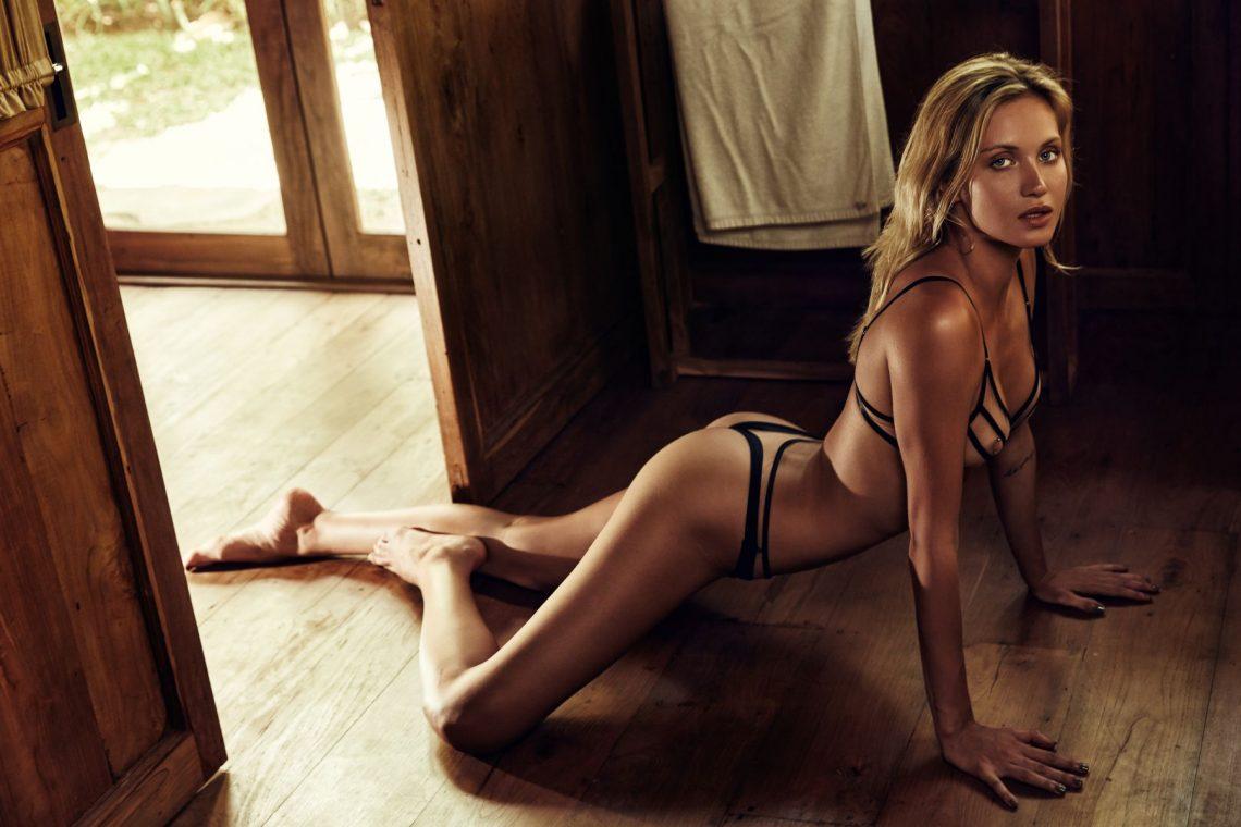 Balistarz-model-Sylvia-Koronkiewicz-a-girl-in-lingerie-a-sexy-shot