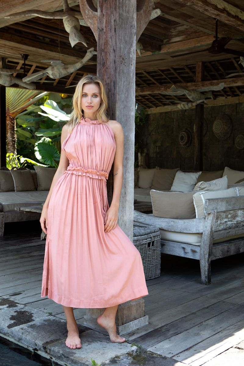 Balistarz-model-Sylvia-Koronkiewicz-taking-full-shot-in-her-pink-casual-long-dress