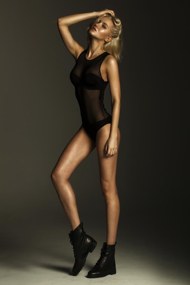 Balistarz-model-sylvia-koronkiewicz-sexy-studio-shot-wearing-elegant-black-lingerie