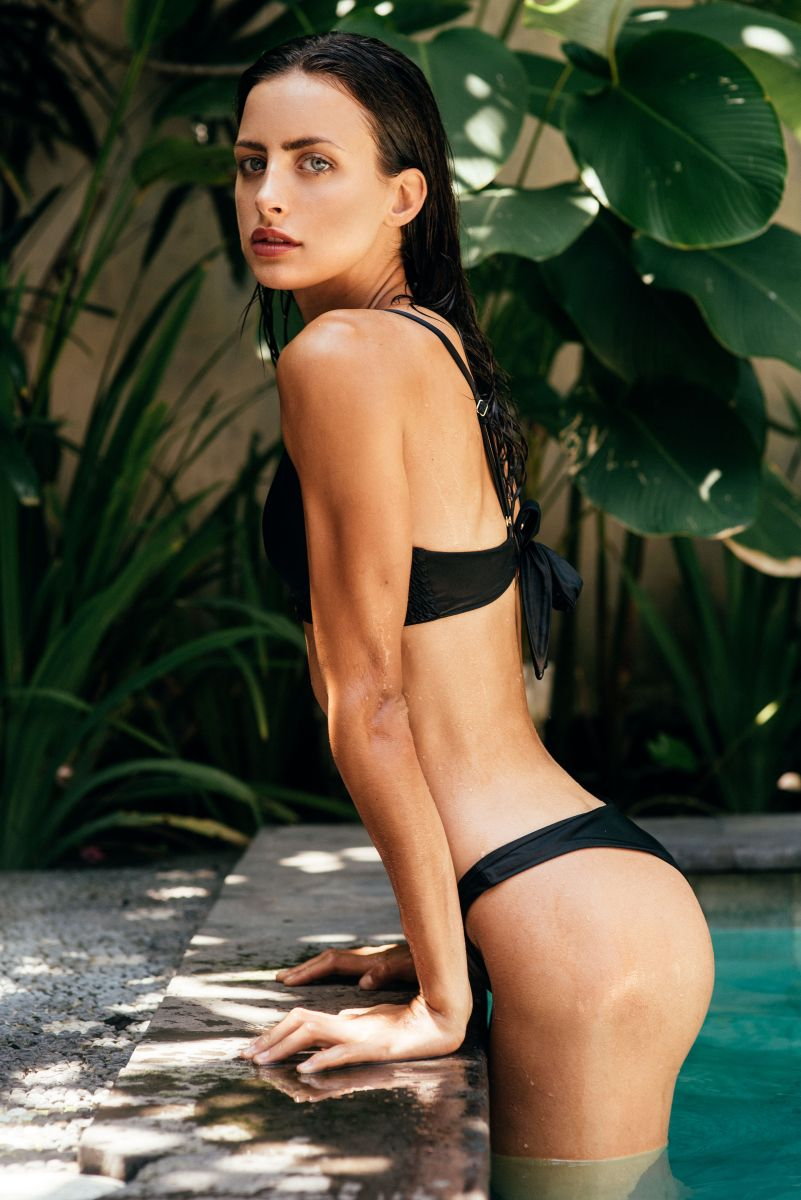 Balistarz-model-Therese-Hansen-swimming-pool-shoot-black-bikini