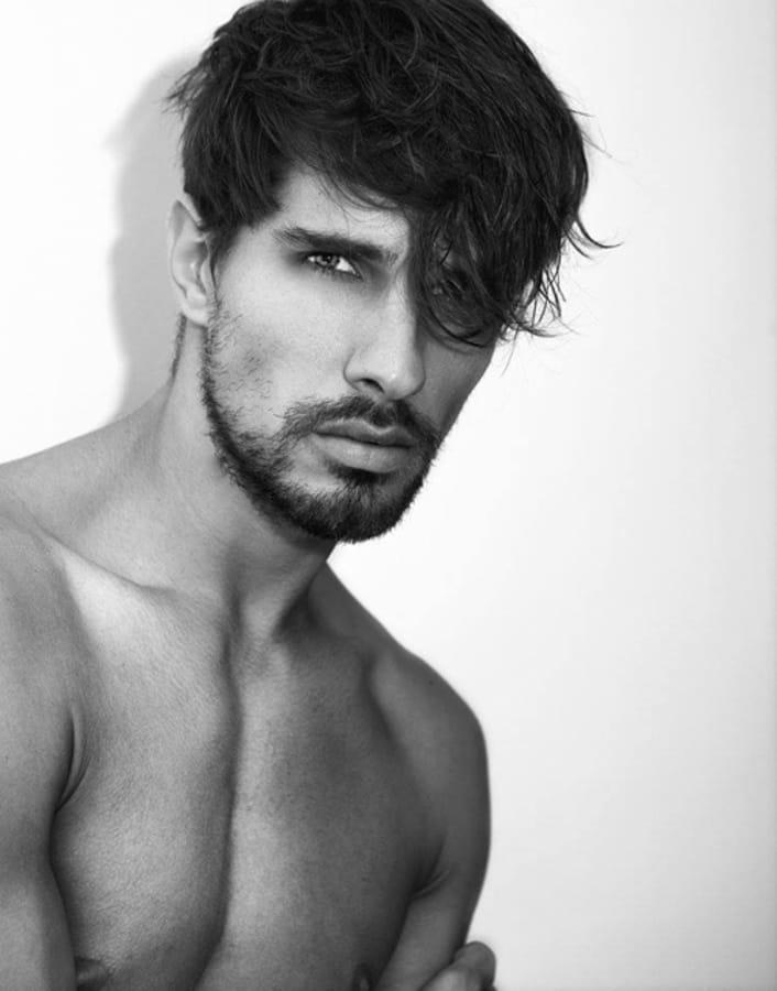 Balistarz-model-Tobi-Klanner-black-and-white-portrait-shot-taken-in-studio