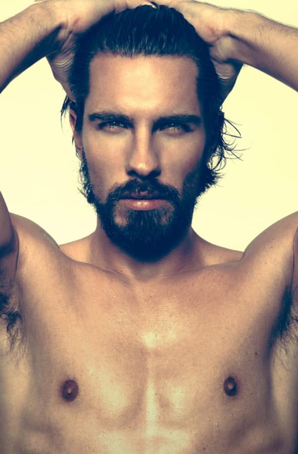 Balistarz-model-Tobi-Klanner-handsome-portrait-profile-in-retro-film-look