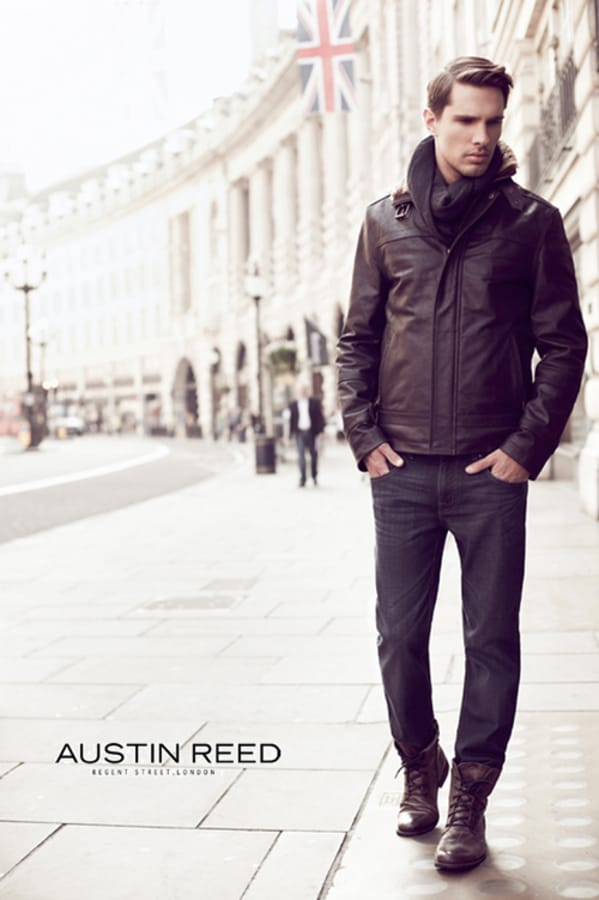 Balistarz-model-Tobi-Klanner-fashionable-high-style-guy-walking-on-London-street