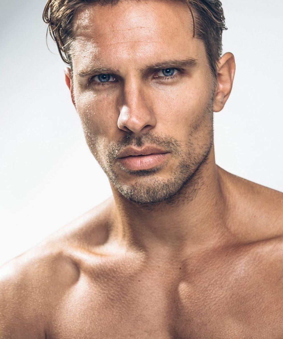 Balistarz-model-Tobi-Klanner-good-looking-studio-portrait-close-up-shot