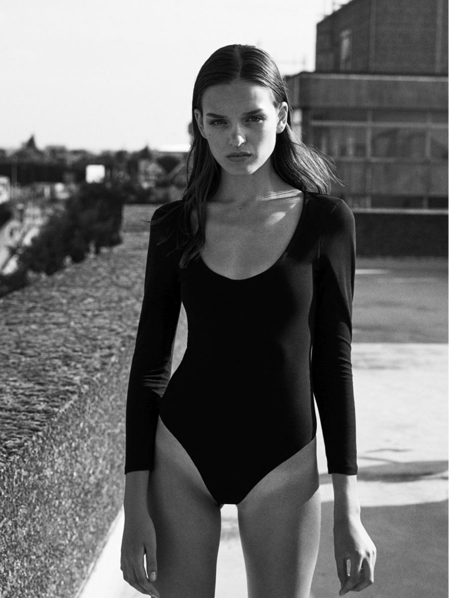 Balistarz-model-Valeria-Rudenko-black-and-white-portrait-shoot-with-long-sleeve-swimsuit
