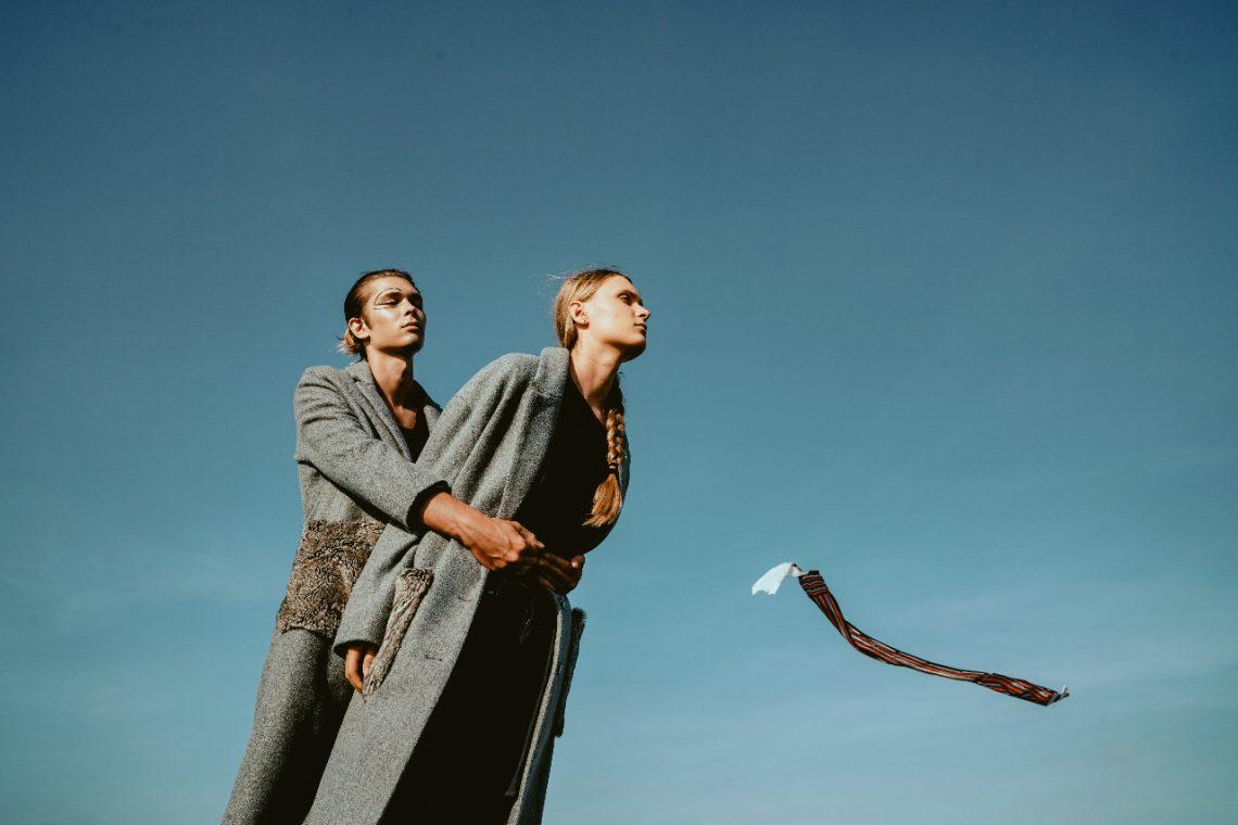 Balistarz-model-Vladislav-Sheyamkin-landscape-duo-shoot-in-coats-with-a-kite