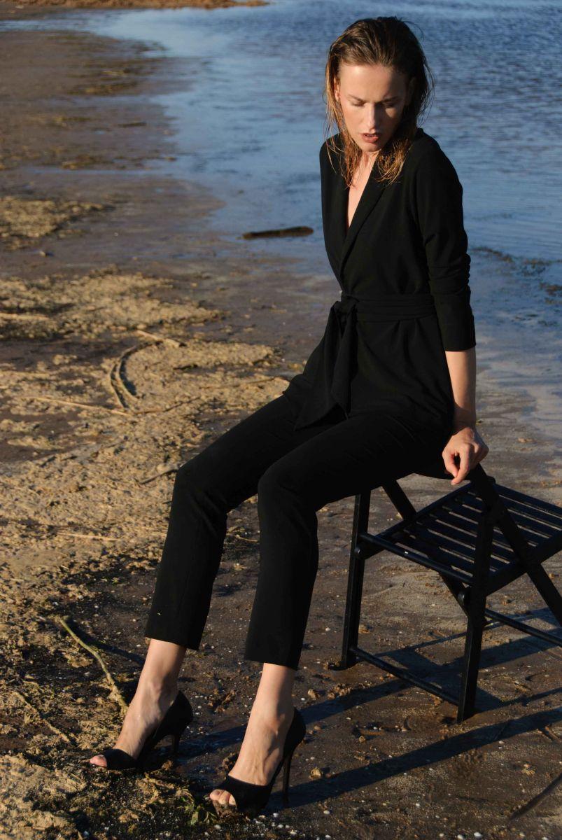Balistarz-model-Zane-Garlaskelli-oudoor-photo-session-wearing-all-black-formal-dress