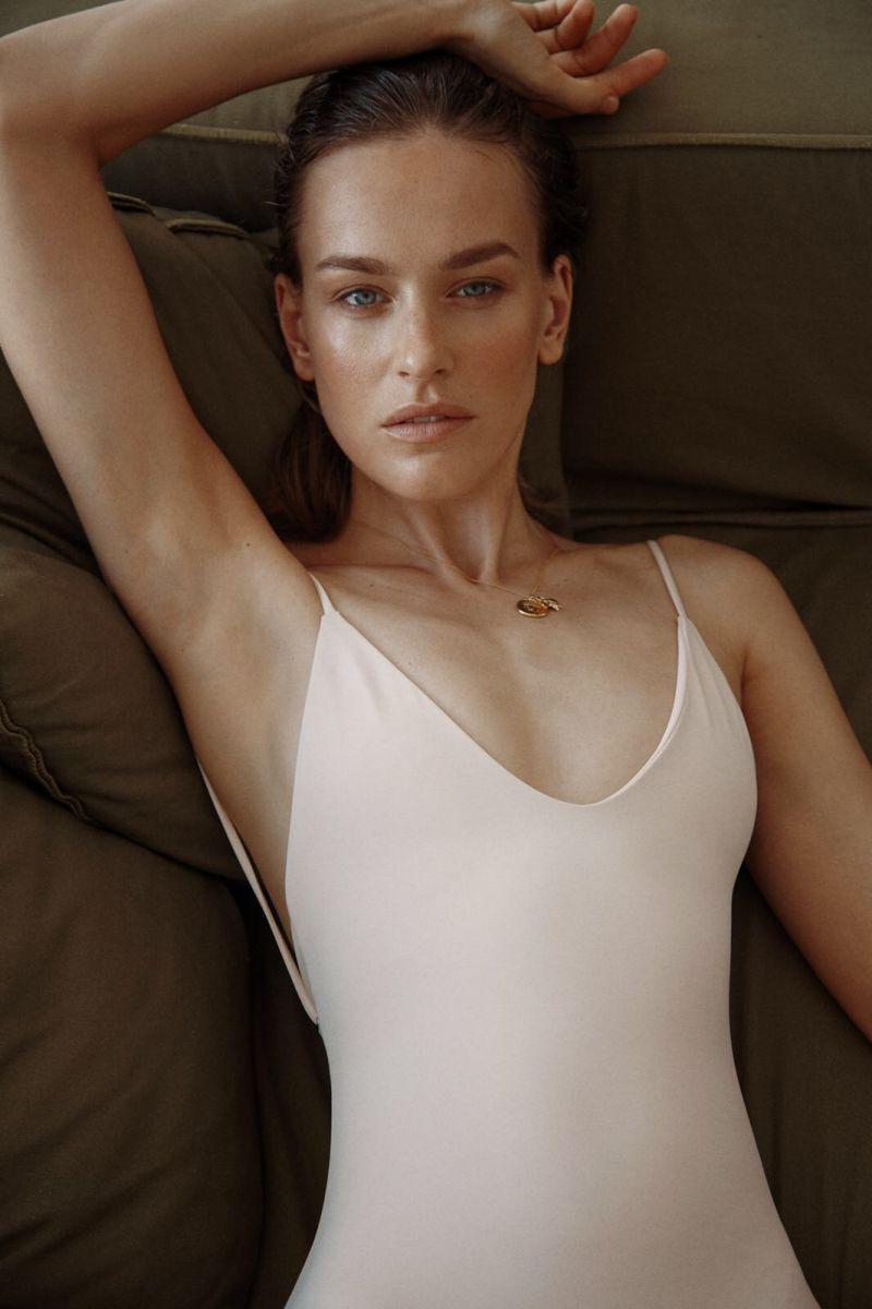 Balistarz-model-Zane-Garkaskelli-portrait-casual-closeup-shoot