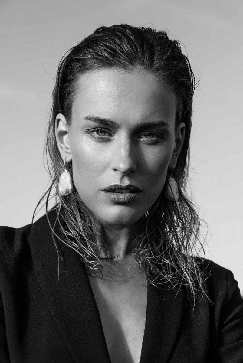 Balistarz-model-Zane-Garkaskelli-black-and-white-portrait-profile