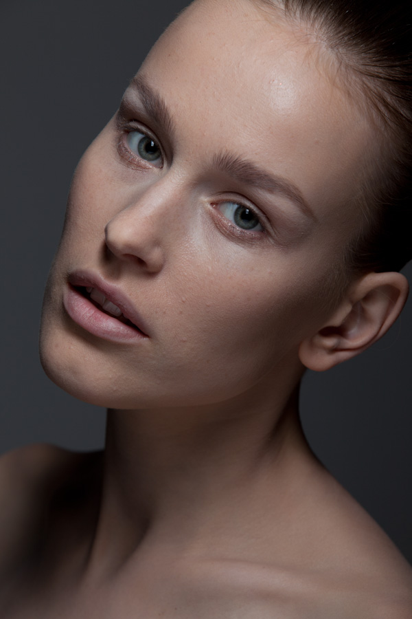 Balistarz-model-Zane-Garkaskelli-natural-look-close-up-profile