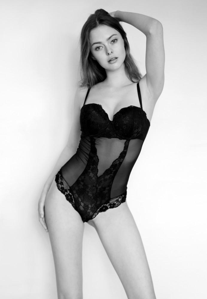 Balistarz-model-Alex-black-and-white-profile-image-in-lingerie