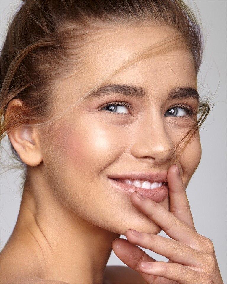 Balistarz-model-Kristina-Gwiazda-headshot-portrait-smiling-happy