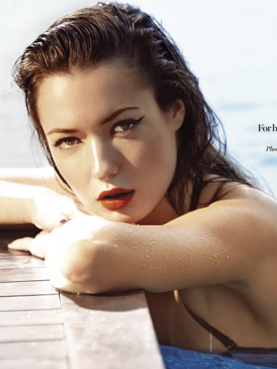 Balistarz-model-Marcella-Van-De-Leen-portrait-shoot-for-cover-in-a-pool