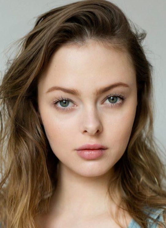 Balistarz-model-Alex-close-up-head-shot-image-profile-natural-look