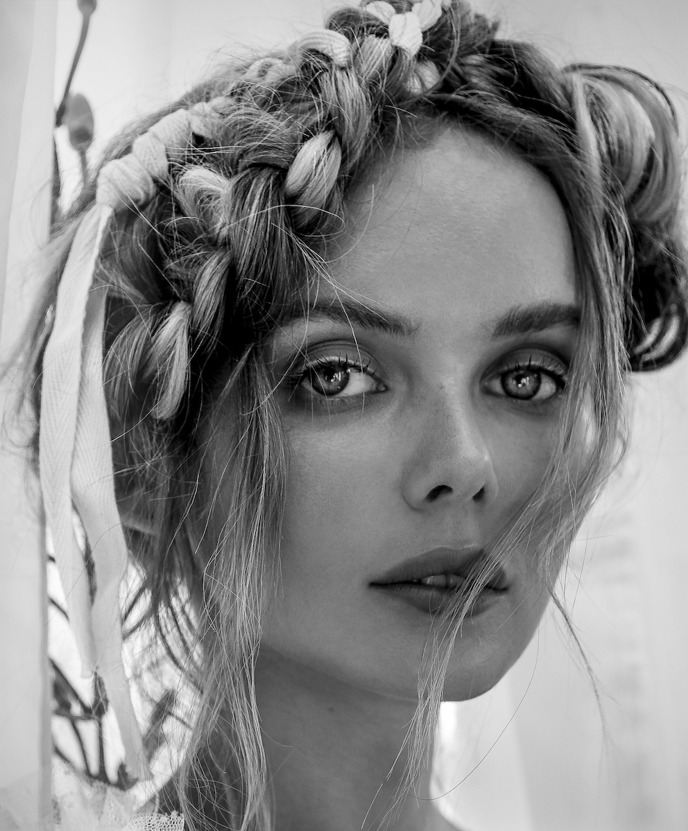 Balistarz-model-Angelina-Boyko-black-and-white-headshot-portrait-shoot